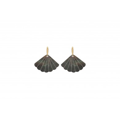 FIEN Mare earring, shell fan